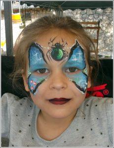 Kék pókos arcfestés