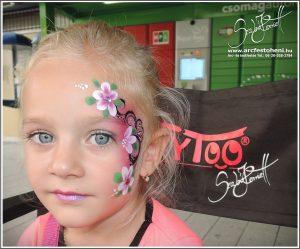 Virágos arcfestés